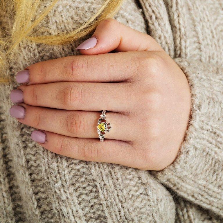 Claddagh Birthstone Ring August