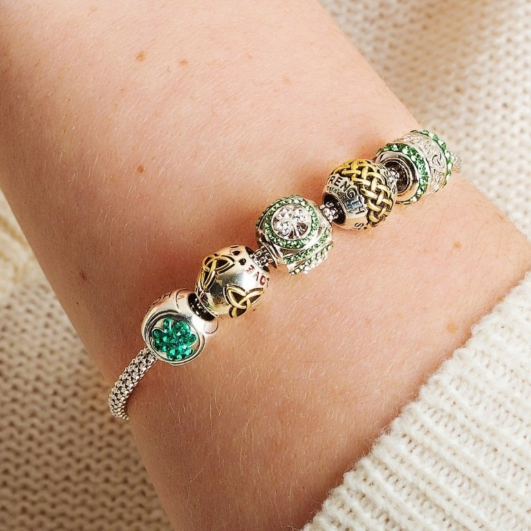Shamrock Bead Encrusted With Crystals