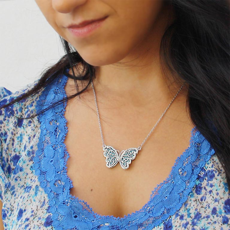 Butterfly Necklace Embellished With Swarovski Crystals Sw34_2