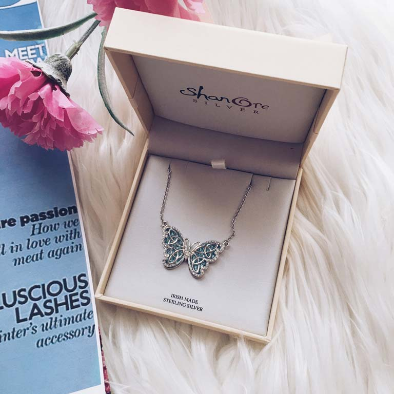 Butterfly Necklace Embellished With Swarovski Crystals Sw34_3