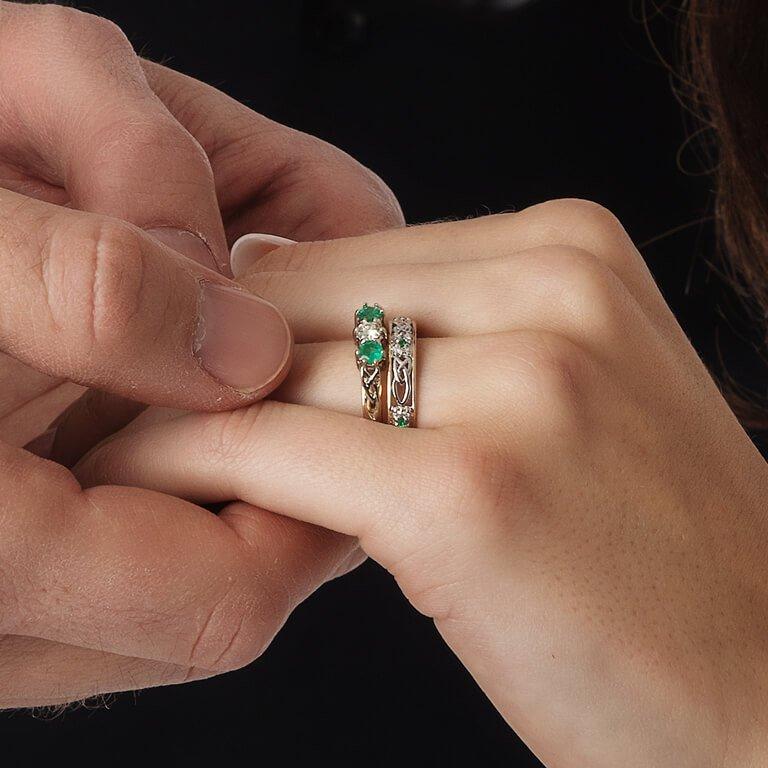 Celtic Wedding Band Ladies Emerald And Diamond Set 14Ws6W2Ed_2