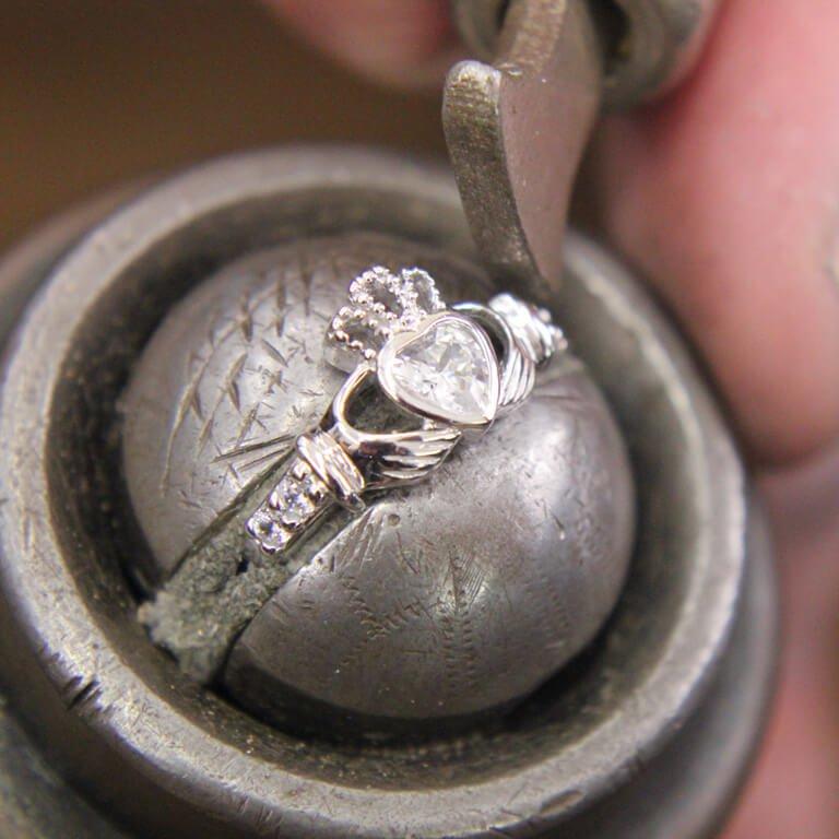 Claddagh Birthstone Ring April Sl90Cz_2