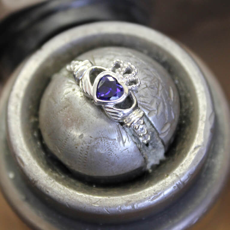 Claddagh Birthstone Ring September Sl90S_2