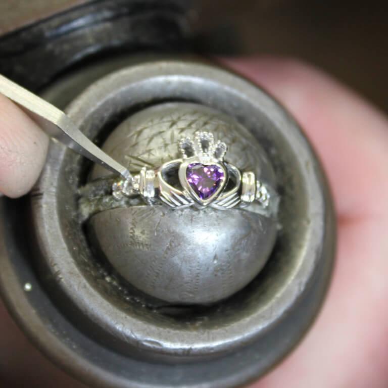 Claddagh February Birthstone Ring Sl90Ay_2