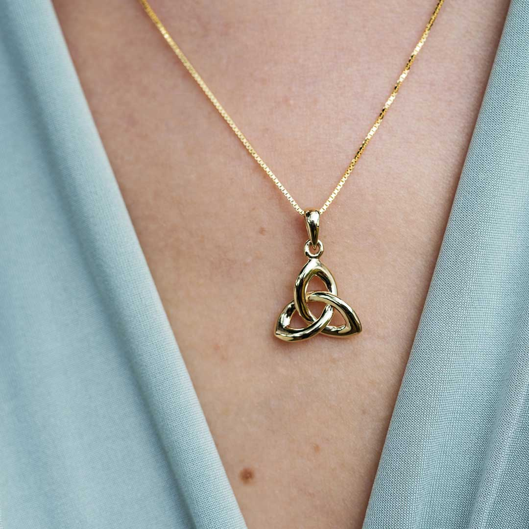 Gold 10K Trinity Knot Necklace 10P642 _2
