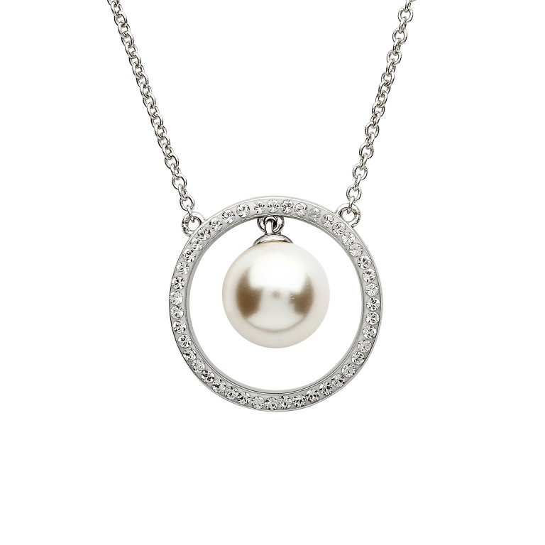 Halo Pearl Circle Pendant Adorned With Swarovski Crystals St72