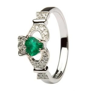 Ladies Claddagh With Emerald And Diamond 14L68Wed