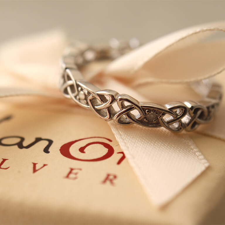 Ladies Silver Celtic Knot Stone Set Ring Sd12_3