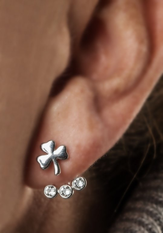 Silver Shamrock Earrings Adorned With Swarovski Crystal Sw84_3