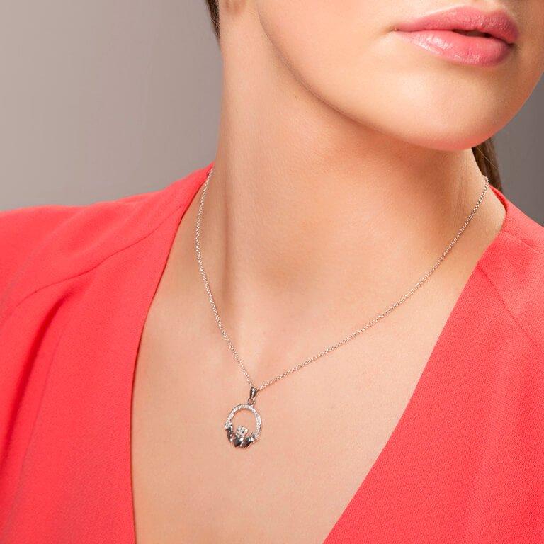 Silver Stone Set Claddagh Necklace Sp2070Cz_2