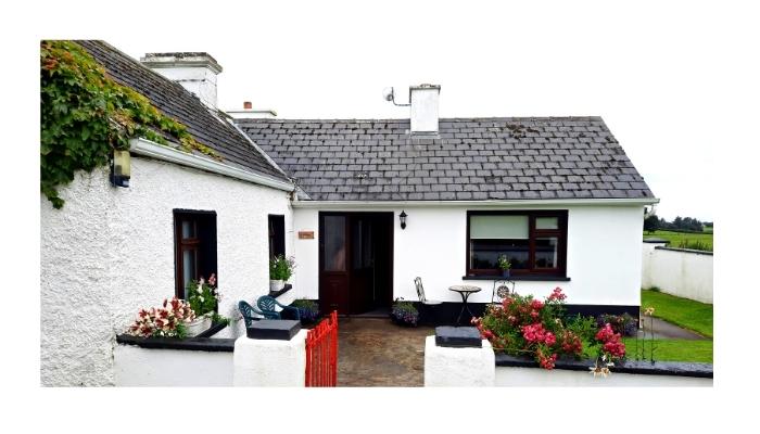 Cottage in Skreen - Irish Road Trip