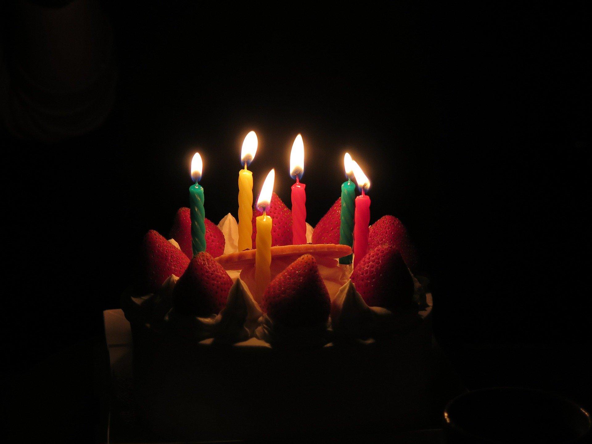 birthday-candles-579117_1920